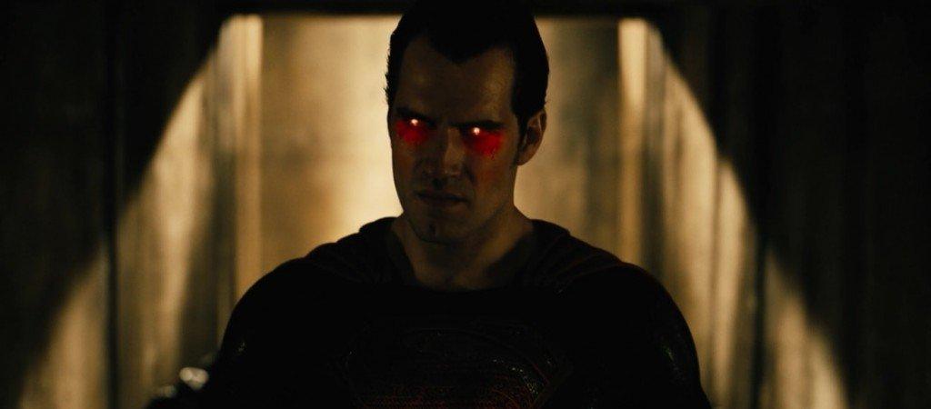 Рецензия на фильм Бэтмен против Супермена